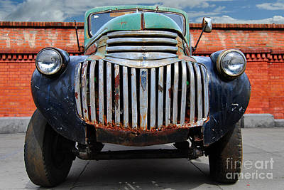 Photograph - Old General Motors Truck by Carlos Alkmin
