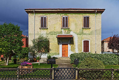 Old House In Crespi D'adda Art Print