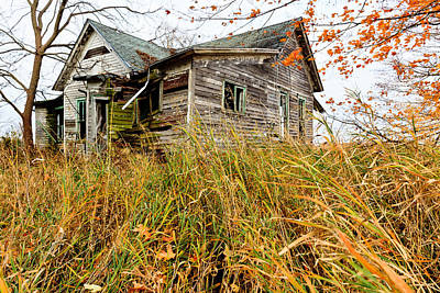 Photograph - Old House In Decay by Ben Graham
