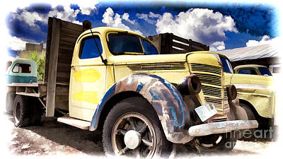 Photograph - Old International Hauler by Ron Roberts