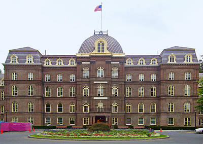 Poughkeepsie Photograph - Vassar College - Main Building by Georgia Fowler