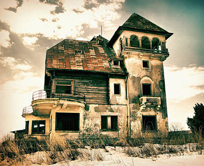 Photograph - Old Mansion In Maineasca Romania by Daliana Pacuraru