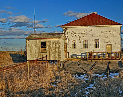 Photograph - Old Newburyort Coast Guard Station by Jeff Stallard
