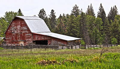 Photograph - Old Red Barn by Athena Mckinzie