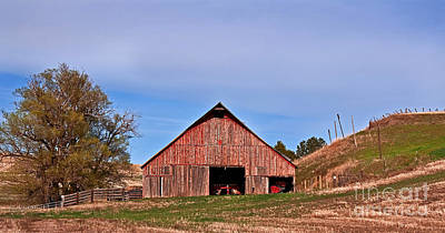 Photograph - Old Red Barn Landscape by Valerie Garner