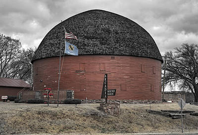Photograph - Old Round Barn by Ricky Barnard
