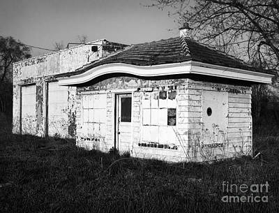 Photograph - Old Service Station by Tom Brickhouse
