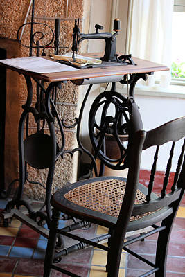 Photograph - Old Sewing Machine by Suzie Banks