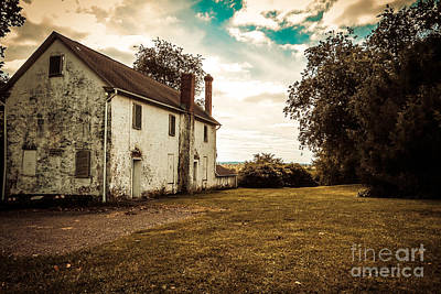 Photograph - Old Stone House by Dawn Gari