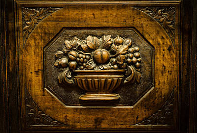 Taberna Photograph - Old Tavern Carving by Pablo Lopez