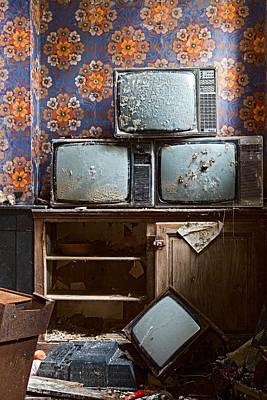 Old Television Art Print by Dirk Ercken