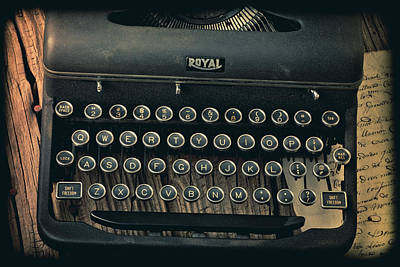 Typewriter Photograph - Old Typewriter With Letter by Garry Gay