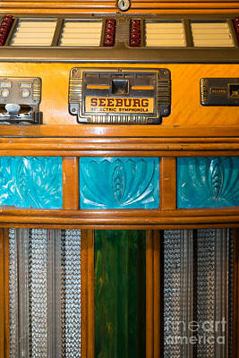 Photograph - Old Vintage Seeburg Jukebox Dsc2801 by Wingsdomain Art and Photography
