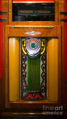 Photograph - Old Vintage Wurlitzer Jukebox Dsc2807 by Wingsdomain Art and Photography