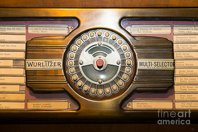 Photograph - Old Vintage Wurlitzer Jukebox Dsc2813 by Wingsdomain Art and Photography