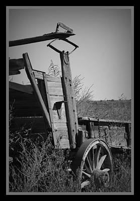 Antique Wagons Photograph - Old Wagon by Ernie Echols