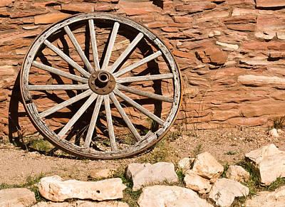 Wagon Wheel Hub Wall Art - Photograph - Old Wagon Wheel 20 by Douglas Barnett