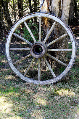 Landscape Photograph - Old Wagon Wheel by Julien Boutin