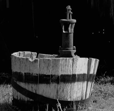 Wash Tub Photograph - Old Washtub In Black And White by Jeff Swan