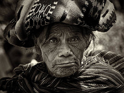 Old Woman Of Chichicastenango Art Print by Tom Bell