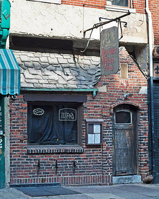 Photograph - Olde City Pub by Michael Porchik