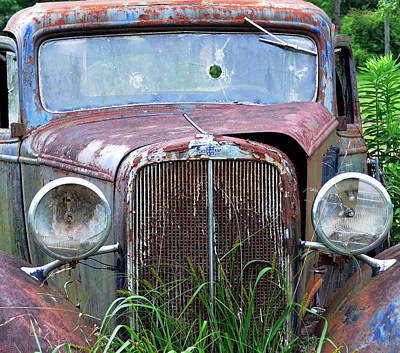 Ole Chevy Art Print by Leon Hollins III