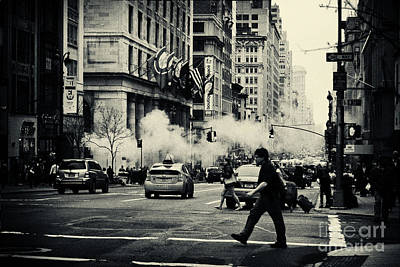 Filmnoir Photograph - On The Streets Of New York 2 by Sabine Jacobs