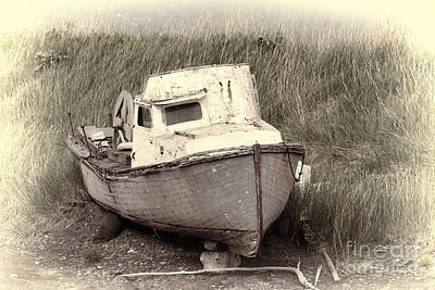 Photograph - One Eyed Boat by David Arment