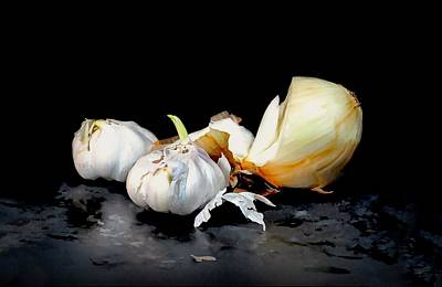 Photograph - Onion With Garlic Cloves by Diana Angstadt
