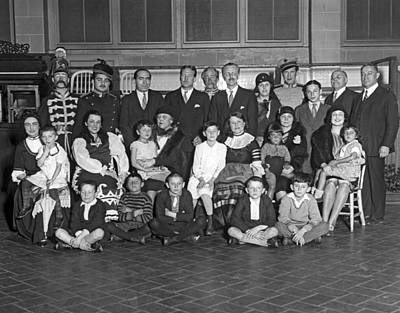 Ellis Island Photograph - Opera Entertains Immigrants by Underwood Archives