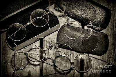 Optometrist - Vintage Eyeware Black And White Art Print by Paul Ward