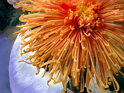 Mums Painting - Orange Spider Mum In A Lavender Vase by Elaine Plesser