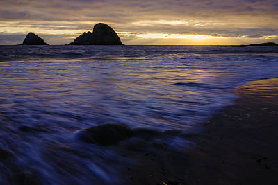 Oregon Coast Dramatic Sunset Art Print by Vishwanath Bhat