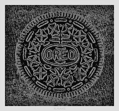 Oreo In Black And White Art Print by Rob Hans