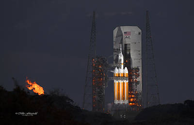 Photograph - Orion On The Pad by Mike Fitzgerald