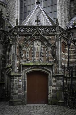 Oude Kerk Door Amsterdam Print by Teresa Mucha