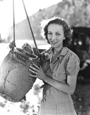 Water Jug Photograph - Our Daily Bread, Karen Morley, 1934 by Everett