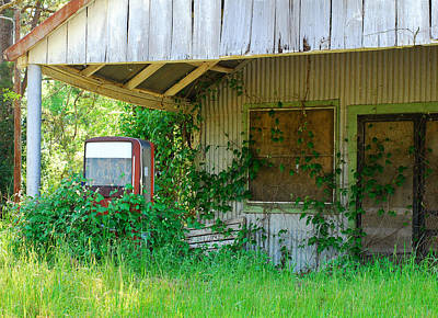 Screen Doors Photograph - Out Of Business by Connie Fox