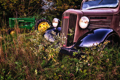Photograph - Out To Pasture by Jeff Sinon