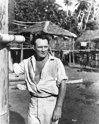 Unbuttoned Photograph - Outcast Of The Islands, Trevor Howard by Everett