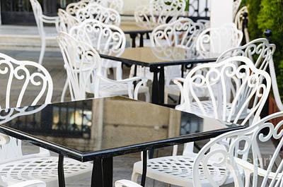 Table Photograph - Outdoor Cafe Tables by Oscar Gutierrez