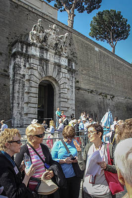 Photograph - Outside Vatican Museums - June 4 by Dwight Theall