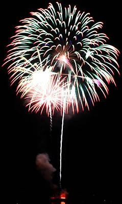 4th Of July Fireworks 4 Art Print by Howard Tenke