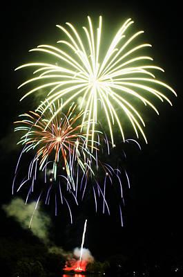 4th Of July Fireworks 5 Art Print by Howard Tenke