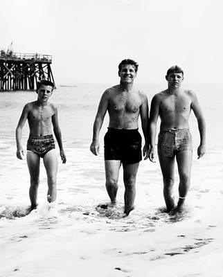Ricky Photograph - Ozzie Nerlson, Center, With Sons by Everett