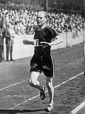 Stamford Photograph - Paavo Nurmi, The flying Finn by Underwood Archives