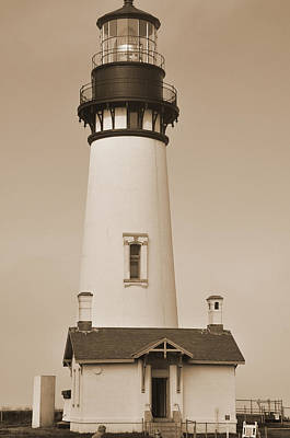 Digital Art - Pacific Coast Lighthouse by Kirt Tisdale