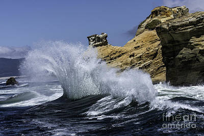 Tim Moore Photograph - Pacific Splash by Tim Moore