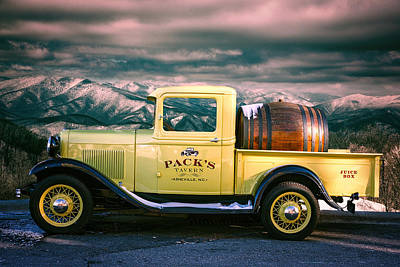 Photograph - Packs Tavern Truck by John Haldane