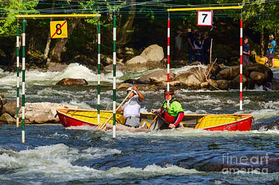 Whitewater Photograph - Paddling Thru Gate No.7 by Les Palenik